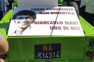 25 aprile. Articolo21 a Napoli davanti alla Mehari di Giancarlo Siani