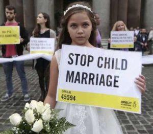 G7 delle donne. Save the Children: ogni 7 secondi una sposa bambina