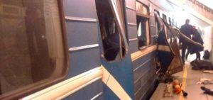San Pietroburgo, esplosione nel metrò: 10 morti. Il terrore torna in Russia