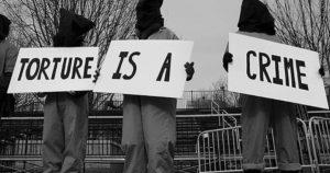 Italia: Tortura, G8, Diaz, Bolzaneto. La condanna della Corte europea e l'iter infinito di una legge che tarda ad arrivare