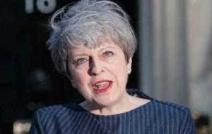 Theresa May tenta il raddoppio