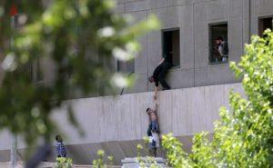 Terrore a Teheran, Trump s'avventura
