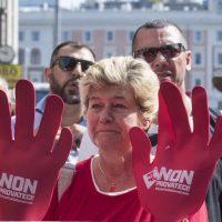 Manifestazione Cgil e quotidiani italiani. Una brutta macchia