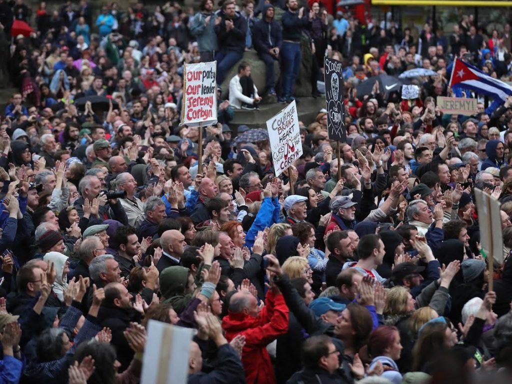 Gb, attacco Londra: due perquisizioni e nuovi arresti
