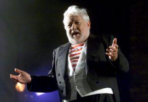 """Paolo Villaggio…. """"paura in palcoscenico"""". Ricordando il suo """"Delirio di un povero vecchio"""" recitato a inizio millennio"""