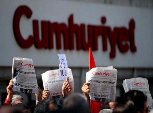 Un anno fa il golpe fallito. Erdogan: