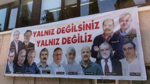 Turchia, quarto giorno di processo per giornalisti Cumhuriyet: paghiamo il nostro 'no' al bavaglio turco