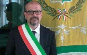Caivano. Il sindaco Simone Monopoli contro i gay, annunciato dibattito pubblico