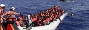 """I Frati di Assisi sui migranti: """"Non giriamoci dall'altra parte, Nobel per la pace alla Guardia Costiera"""""""