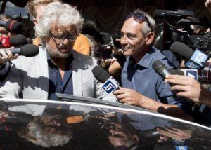 """Grillo ai giornalisti: """"Vi mangerei solo per vomitarvi"""". Lorusso: """"L'ex comico non fa più ridere e allora insulta"""""""
