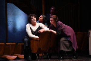 """Teatro Quirino. """"Medea"""" di Euripide"""