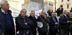 """I rappresentanti dei giornalisti in piazza: """"Un giornalismo precario rende precaria la democrazia"""""""