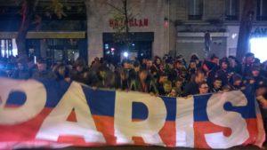Anche i tifosi del Paris St. Germain onorano le vittime del Bataclan