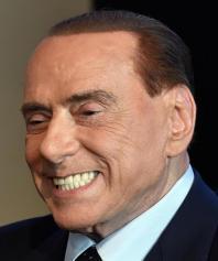 """Povertà. Rete Dei Numeri Pari: """"Berlusconi responsabile dei tagli al sociale e non ha mai discusso la proposta sul reddito di dignità avanzata da centinaia di associazioni"""""""