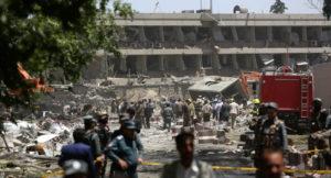 L'inferno di Kabul e la solidarietà globale a intermittenza