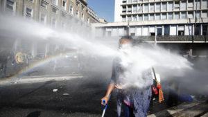 """Piazza Indipendenza, ferita ancora aperta. LasciateCIEntrare: """"Il nostro sostegno a sgomberati e attivisti"""""""