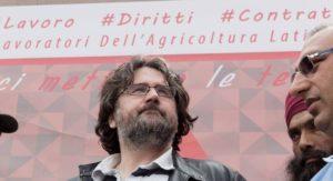 """Caporalato. Ennesima intimidazione a Marco Omizzolo. La solidarietà di Art.21: """"continui il suo racconto del lato oscuro di questa periferia"""""""