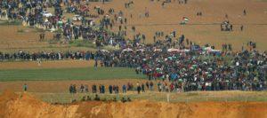 Guerra di Pasqua. Sangue sulla marcia a Gaza. 16 palestinesi uccisi, oltre 1000 feriti