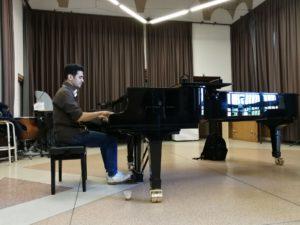 La musica di Aeham Ahmad. Per distrarre i bambini siriani dalle atrocità della guerra