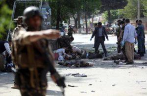 Strage Kabul. Bisognerebbe ricominciare a anche a illuminare le periferie della capitale afghana