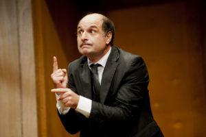 """Teatro Manzoni. """"Ieri è un altro giorno"""", umorismo surreale"""