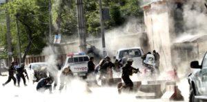 Strage Kabul. 30 morti tra cui 9 reporter. Dal 2001 sono morti 54 giornalisti