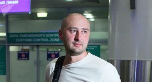 Ucraina, messa in scena dell'omicidio Babchenko per salvargli la vita. Sollevati ma non è un bel giorno per l'informazione