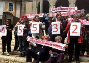 """Protesta delle femministe in Aula G. Cesare: """"La Casa delle donne non si tocca"""""""