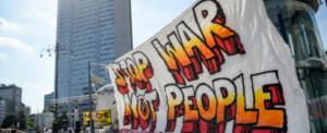 Tutti contro i migranti, ma intanto si finanziano le armi: la rivolta degli scienziati in Europa