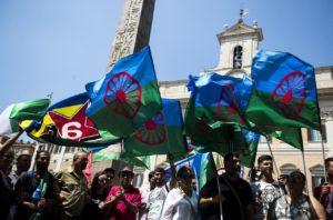 Rom, in piazza per non dimenticare il loro sterminio e contro ogni razzismo