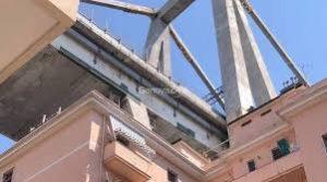 """Due istantanee da Genova e Catania. E il """"fermo immagine"""" parla più d'ogni cosa"""