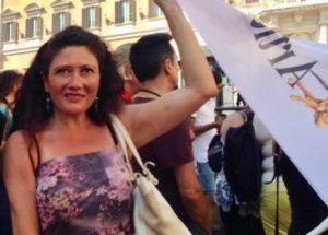 Dalla Fnsi all'Anpi, da Angeli e Borrometi a Fiorella Mannoia: tanti i messaggi di solidarietà ad Antonella Napoli