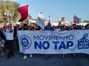 Una raccolta fondi per pagare le spese legali degli attivisti NoTAP