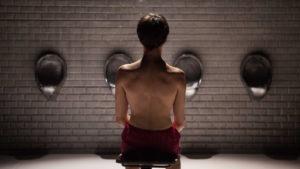 Il corpo-assenza di Elvira. 'Un anno con 13 lune' al Teatro India di Roma