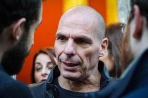 """Varoufakis: """"La crisi della sinistra in Europa è cominciata quando hanno cominciato a farsi stregare dal mondo delle finanza"""""""