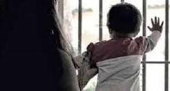 Morte cerebrale per il piccolo ucciso dalla madre con la sorellina nel carcere di Rebibbia: ma perché i bambini sono ancora in carcere?