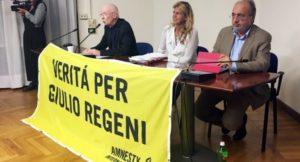 Un anno di #scortamediatica per Giulio Regeni che continua chiedendo anche libertà per Amal Fathy
