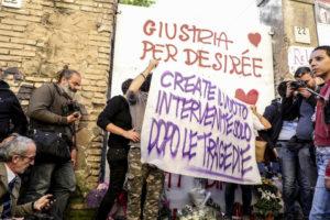 """Roma: Salvini """"sciacallo"""" a San Lorenzo, cerca consensi sul corpo morto di Desirée"""