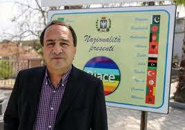 Tutti i reati del sindaco di Riace, Domenico Lucano