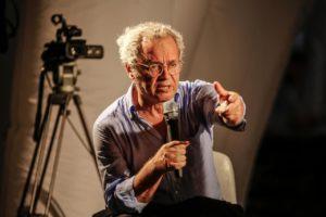 "Enrico Mentana, presenta ""Open"". Molto entusiasmo, requiem per la carta stampata, troppa retorica nuovista"