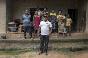 "Migranti. Msf: ""Decine di migliaia di camerunesi in fuga. Nigeriani li accolgono in famiglia"""