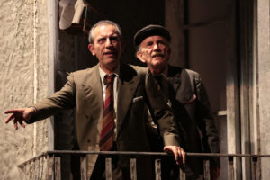 La preparazione del caffè. Al Teatro della Corte di Genova 'Questi fantasmi!' con la regia di Marco Tullio Giordana