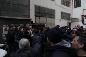 Arresto del superlatitante Marco Di Lauro, fotografi e videomaker non possono riprendere l'arrestato