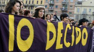 """""""Sui diritti non si torna indietro"""". Articolo 21 con Luisa Betti alla manifestazione contro il Congresso mondiale delle famiglie di Verona"""