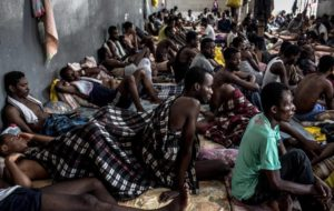 Profughi nei lager libici. L'appello alle istituzioni europee di padre Mussie Zerai