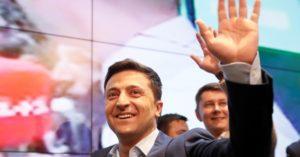 Ucraina, il comico e populista Zelensky 'incoronato' presidente