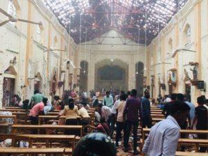 Pasqua di sangue in Sri Lanka: cristiani sotto attacco, centinaia di vittime