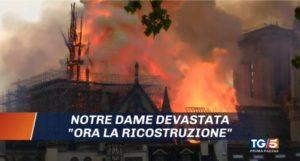 """L'incendio di Notre Dame """"in diretta tv"""". Siri e Raggi, guerra aperta nella maggioranza. L'analisi dei Tg"""