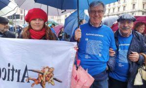 #primalepersone A Napoli in tanti per dire no alla politica che alimenta paura e rancore
