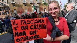 Genova, giornalista ferito durante gli scontri al comizio di CasaPound. La solidarietà del sindacato